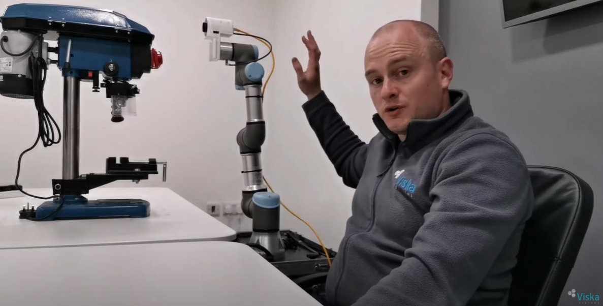 Learn how to program an automated robot vision inspection in only 4 minutes (VISKA Systems)